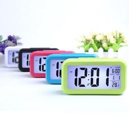 Опт Smart Sensor Nightlight Цифровой сигнал тревоги с термометрами термометра календарь, тихий стол настольные часы прикроватные стороны пробуждают