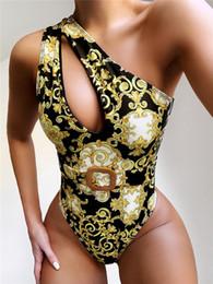 Flores de diseñador de hombro acolchado Push Up One Piece Swimwear para mujer Ropa de baño al aire libre Playa de la playa Vendaje Viajes de viaje Must Swimsuits en venta