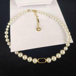 Venta al por mayor de Nueva perla d letra collar de moda collar de perlas de alta calidad joyería de las mujeres