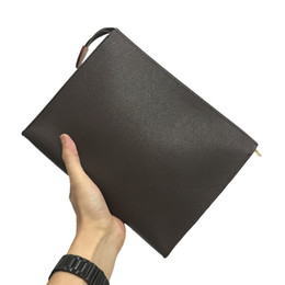 Wholesale Clutch Bags Toiletry Pouch 26 Handbags Purses Men Wallets Women Handbag Shoulder Bag Wallets Fashion Wallet Chain Key Pouch 33 865
