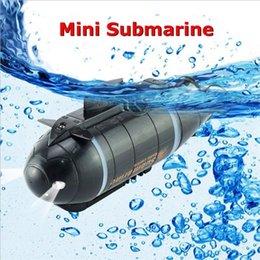 Mini RC U-Boot-SPEED-Boot-Fernbedienung Drohne-Pigboat-Simulation mit LED-Licht RC-Spielzeug-Geschenkspielzeug für Kinder Y200413 im Angebot