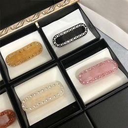 Brillante Diamante Carta Horquillero Diseñador Horquillero Borde Clip Cristal Rhinestone Barrettes Moda Clip Mujer Accesorios para el cabello en venta