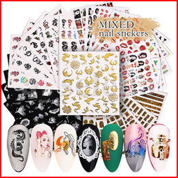 Multi Styles 3D Nail Art Sticker Adesivo Hollow Decalcomanie misto Dragon Flower Dragon Designs Chiodo lettera carta adesiva 6 foglio / set