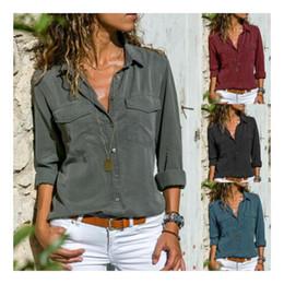 Женская городская Vogue сплошной V-образной шеи отворота с длинным рукавом комфортная свободная рубашка на Распродаже
