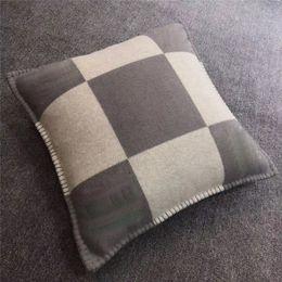 Wholesale 2020 Smelov fashion vintage fleece pillowcase letter H european pillow cover covers wool throw luxury pillowcases 45x45 65x65cm