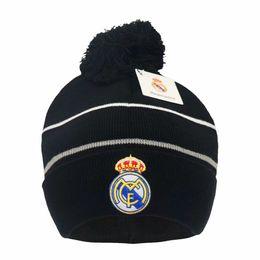 Новая осень зима футбольные вентиляторы колпачки футбол шляпа подарок для реального мадрида месси Манчестер колпачок спортивные тренировки футбольные шапочки головные уборы на Распродаже