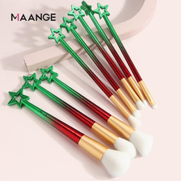 Discount new tool kit New 8pcs Pro Makeup Brushes Sets Christmas Kits for cosmetic foundation powder blush eyeshadow kabuki make up brush beau