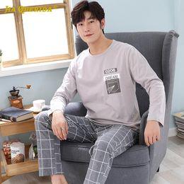 Wholesale man pajamas resale online - Crew Neck Man Clothes Long Sleeve Long Pants Sleepwear Fashion Style Casual Style Man Clothes Pajamas for Plaid Printing