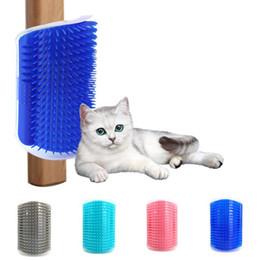 Ecke Pet Pinsel Kamm Spiel Spielzeug Kunststoff Scratch Borsten Bogen Massagegerät Selbstpflege Katze Scratcher HWD3324 im Angebot