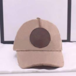 Großhandel Mode Straße Hüte Baseballmütze Kugelkappen Für Mann Frau Justierbare Hut Mützen Kuppel Top Qualität