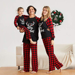 father christmas suits UK - Christmas Family Matching Clothes Mother Daughter Father Son Baby Kids Elk Print Plaid Suit for Family Look Pajamas Set LJ201106