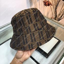 Wholesale Bucket Hat Women mens Hats Luxurys Designers Caps Hats Mens Bonnet Beanie Cappelli Firmati Winter Hat Cap Mütze Beanies 21011101L