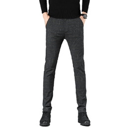 ropa casual de los hombres oscuros al por mayor-Nuevos pantalones revisados casuales de nuevos hombres Business Pantalones casuales Slim Fit Dark Grey Classic Style Stretch Men s Brand Ropa