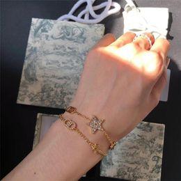 2020 Seiko Высокая версия Новый двухсекционный браслет из пятиконечной звезды Женская золотая буква водяной кирпичный браслет на Распродаже