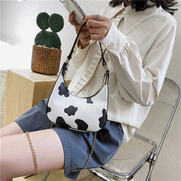 Discount waist bag style 2020 Women Waist Bag Fashion Bumbag For Woman Crackle Belt Bag Lady Cross Body Bag Sac Banane Cow Style Big Or White 555
