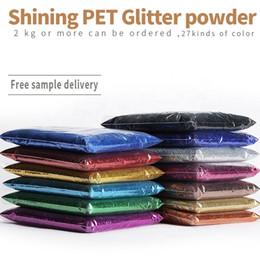 Toptan satış Fabrika Toptan Glitter Toz PET 24 Renkler Toplu 0.1-2.5mm 100g Ambalaj Tırnak Deri Dekoratif Hammadde