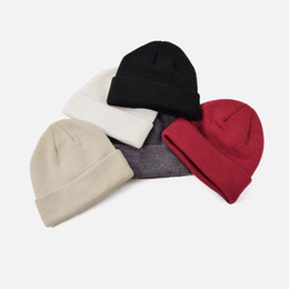 Discount custom beanies Fashion Knitted Hat Small Beanie Cold Cap Men Women Street Travel Fishing Hats Casual Autumn Winter Warm Outdoor Sport