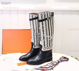 boots material UK - Classic style cowhide boots fashionable Classic shapes and iconic materials Refined Comfortable Soft Lady Knee-length boots