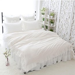 romantic lace queen bedding sets UK - New big lace princess bedding set queen size elegant Embroidery ruffle duvet cover 100% cotton bed set home romantic bed sheet1