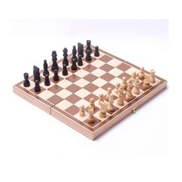 Venta al por mayor de Folding Wooden International Chess Set Pieces Juego Juego Divertido juego Chessmen Colección Portátil Juego de mesa 40 W2