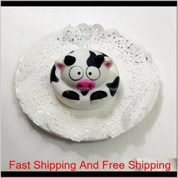 squishies for wholesale 2021 - Round Cow Cake Squishy Slow Rising Jumbo Pu Foam Squeeze Squishies Decompression Cute Toys For Kid Adults Super Soft 5 5Qz Zz 7Jqxv Ayb8B