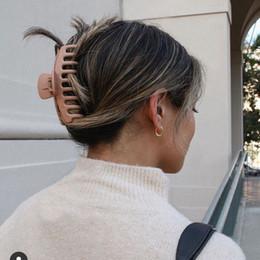 venda por atacado Grandes garras de cabelos plásticos coreanos para mulheres chuveiro scrunchies cor de doces coroa braçadeiras banho rabo de cavalo hairpin acessórios de jóias 234 T2