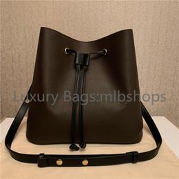 2021 Novos Melhores Luxurys Designers Moda Bucket Handbags Lady Crossbody Bag Flor Bolsas Mulheres Sacos Carta Letra Genuíno Couro Bolsa De Ombro em Promoção