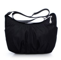 Nylon shoulder fashion casual large capacity lady messenger bag