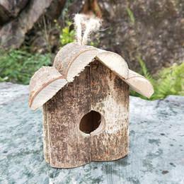 DIY DIY Exterior De Madeira De Madeira Papagaio Artesanato Decorativo Bird House Fácil Instalação de Telhado Creeding Hanging Nest Cabine Forma em Promoção