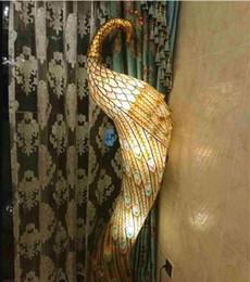 New Peacock Stehleuchten E27 E12 Lampenbasis-Kristall- und Hardware-Skulptur Stehleuchten für Foyer-Verkauf GY-003 im Angebot