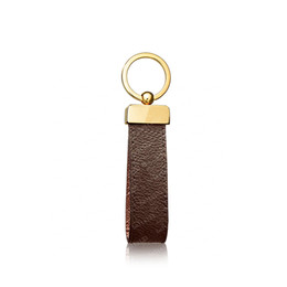 2021 Keychain Key Chain Buckle lovers Car Keychain Handmade Leather Keychains Men Women Bag Pendant Accessories 4 Color 65221 with box on Sale