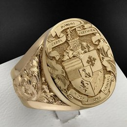Luxury Gold Plated Coat of Arms Sweet Signet Engraved Rings for Men Women Hip Hop Dance Party Court Style Ring Jewelry Gift