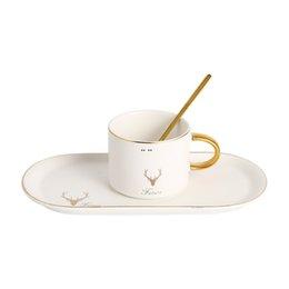 Cerámica Juego de taza de café Blanco Negro Verde rojo Taza de café Placa de postre Kits El mejor regalo para mamá y papá HWB5274 en venta