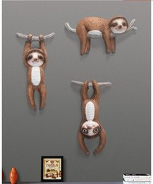 Wholesale NORDIC CREATIVE 3D STEREO RESIN WALL SLOTH DECORATION RESTAURANT HOME LIVINGROOM WALL STICKER MURAL ANIMAL ACCESSORIES CRAFTS