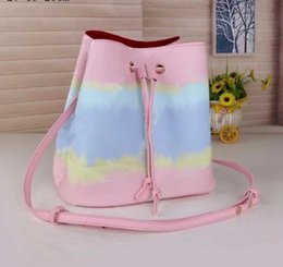 2021 women's Fashion Bucket Bag High Quality Genuine Leather Shoulder Bag Classic Design Crossbody Bags Lady Handbags more colors on Sale