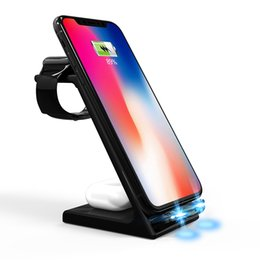 Qi 15W Stand di ricarica wireless 5 in 1 Auto Fast Wireless Charger Dock Station per iPhone 13 / 13Pro / 12/12 PRO / X / XR / XS / 8 Plus Apple Watch 7 6 SE 5 4 3 2 AirPods 2 / Pro in Offerta