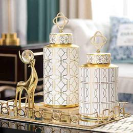 Großhandel Vasen Nordic Dekoration Home Flower Vase Moderne Keramik Ornamente Wohnzimmer Licht Luxus Keramik Pot Dezember