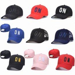 2021 Icona della moda Mens Designer Sport D2 Cappelli Cappelli Casquette Ricamo Cappuccio Regolabile 17 Colore Cappello Dietro Lettera Atletica Accouth ACES ACCES NJD8 # in Offerta