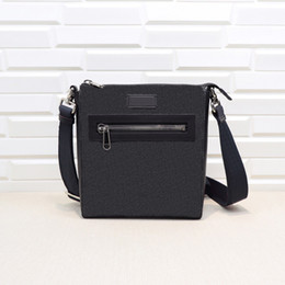 Messenger Bags, classic fashion style, various colors, the best choice for going out, size: 21 * 23 * 4.5 cm, D152 free shipping on Sale