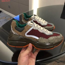 2021 Nuovi uomini Donne Rhyton Casual Dad Shoes 620185 Paris Luxury Designer House Emblematic Sneaker Mini Jacquard Tessuto Retro Tela Thick in Offerta