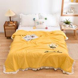 Bettdecken setzt Sommer Baumwolle bestickte Handtuch Vollfarbige Quilt, Klimaanlage dünn weich, atmungsaktiv und waschbar im Angebot