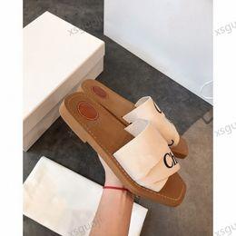 chloe flip flop Новейшие фирменные Женщины Woodsy Mules Fflat Тапочка DEISGN Леди надпись Ткань На открытом воздухе Кожаные подошвы Сандальные моды Тапочки на Распродаже