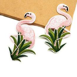 6 PCS Animales de dibujos animados Motif Plancha en los parches de flamencos rosados Coser en bolsas Pantalones Bordados Patch Appliques Paste la ropa en venta