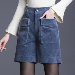 Wholesale booty shorts women resale online - Autumn Winter Vintage Corduroy Shorts High Waisted Pocket Wide Leg Booty Shorts Track Shorts Women Chores Para Mujer Plus Size X0320