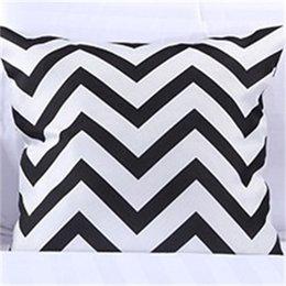 Bianco e nero Stripe Copriletto di cotone Letto Runner Throw Home Camera da letto Hotel Biancheria da letto Decorazioni da letto Tail Asciugamano 390 R2 in Offerta