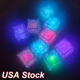 Criações iluminam os cubos de gelo iluminação de férias para bebidas. Cada brilho no escuro com 7 modos de cores. Múltiplos Eventos Multi LED piscando Piscando EUA Stock em Promoção