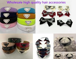 Wholesale 21SS Wholesale headband Arrival Triangel Hair Clip with Women girl Letter Triangle Barrettes Fashion Accessories for Gift more Color NO box