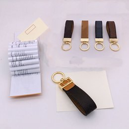 Wholesale Fashion Luxurys Key chain Buckle lovers Car Keychain Handmade Leather Designers Keychains Men Women Bag Pendant Accessories 10 Color