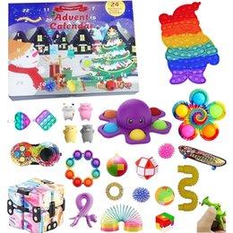 Fidget Toys Set Christmas Advent Calendar con 24 juguetes antiestress Pack Box Blindic Box Anti estrés Juguete para regalo de Navidad en venta