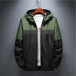 venda por atacado Mens Jackets Men's Outerwear Casacos Top Quality Fast Delivado Smooth Tecido Macio Impressões e Bordados Costura Zíper UE / US tamanho de acordo com o seu normal